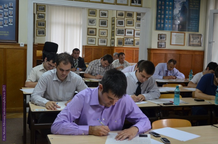 Studenții ITB în licență (2012)