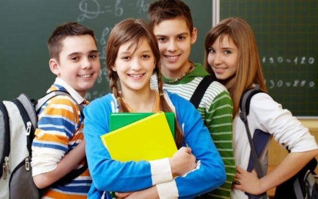 Adolescenți, elevi FOTO Shutterstock