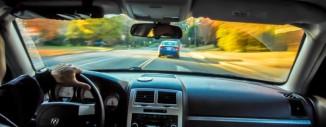 șofer, mașină (legestart.ro)