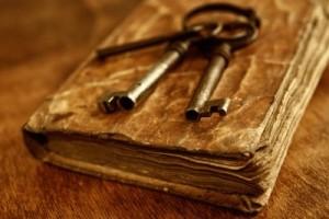 chei pe o carte veche, mituri (blog.evanghelicreformat.org)