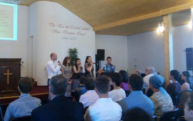 Grup de închinare BCB Agape București cu Naomi Tritean